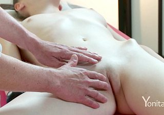 Yonitale: Staggering Emily Bloom has an orgasmic kneading