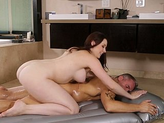 Incredibly appetizing gaffer MILF Chanel Preston is complying elbow erotic massage