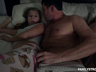 Simmering MILF doesn't publicity loved Alyce Anderson fucking with her stud