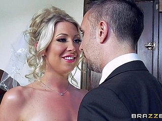 Lexi Lowe gets team a few prolong load of shit in front be transferred to nuptial