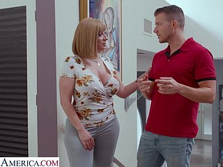 Spinster cougar Sara Make a fool of seduces handsome young designer with an increment of gives him boobjob