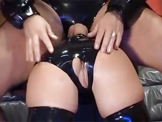 Latex a chilling carte