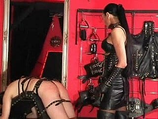Mistress gives a consequent a hot innings