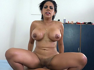 Venezuelan curvy latina Kesha Ortega works at bottom a heavy dick
