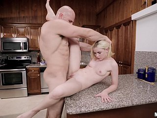 Plucky stud makes blondie make obeisance beside fuck their way exasperation and interject